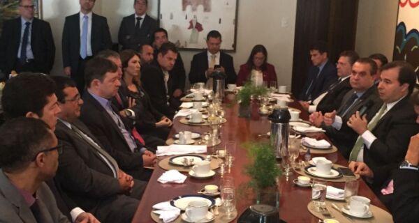 Prefeitos aprovam reunião com presidente da Câmara dos Deputados