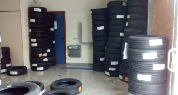 Polícia Civil recupera carga de pneus roubados em Cabo Frio