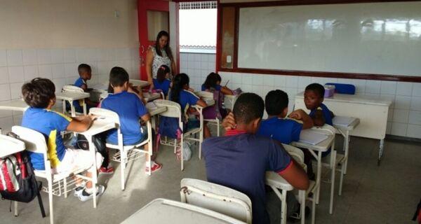 Após acordo, Educação prepara convocação de 230 aprovados no concurso de 2009