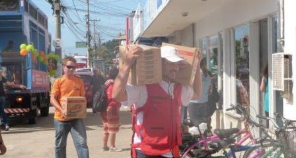 Cruz Vermelha doa alimentos e material de limpeza à Apae
