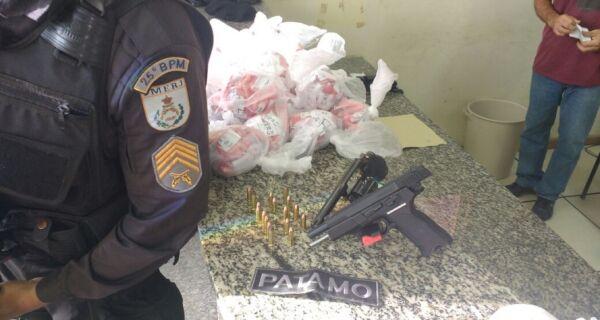 Polícia apreende 3.200 pinos de cocaína em São Pedro da Aldeia