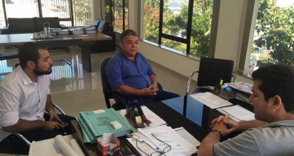 Janio pede ajuda a governo de Arraial para projeto de lei