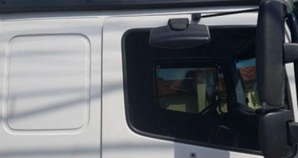 Criminosos atiram contra caminhão de flores na entrada de Búzios