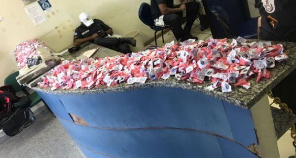 Polícia apreende 15 kg de maconha e 1.460 cápsulas de cocaína