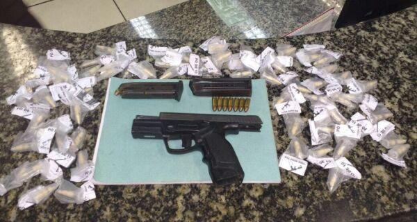 Polícia apreende arma e drogas após tiroteio em baile funk na Boca do Mato