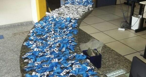 Polícia apreende mais de 500 cápsulas de cocaína em Cabo Frio