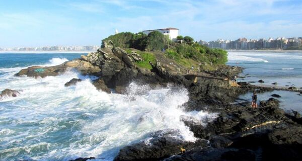 Cabo Frio tem alerta de ressaca para esta terça-feira (4)