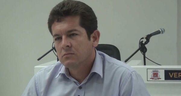 Renatinho admite que salário vai atrasar em Arraial do Cabo