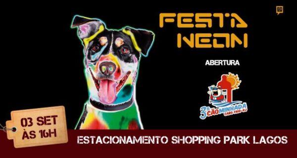 Festa Neon leva desfile de cães para o Shopping Park Lagos