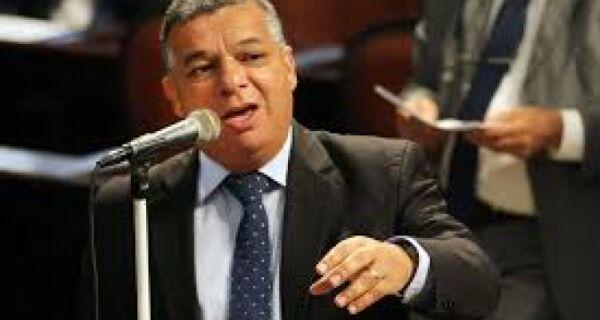 Janio vai apresentar contraproposta sobre corte de royalties à ANP