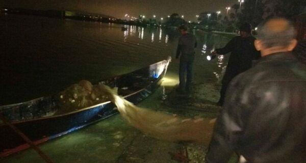 Guarda Marítima apreende redes e doa 10 Kg de camarão pescados ilegalmente