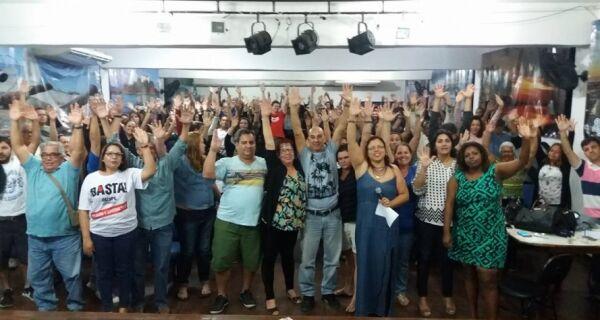 Educação decreta greve por tempo indetermiando