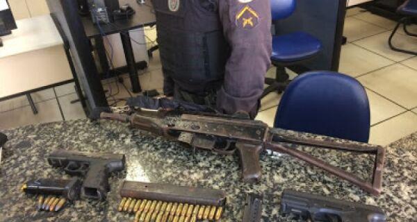 Polícia apreende submetralhadora e pistolas em Cabo Frio