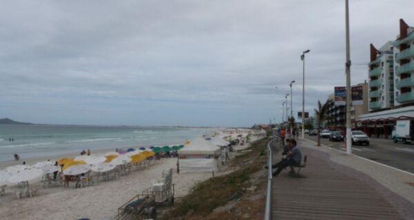 Semana começa com tempo nublado em Cabo Frio e na região