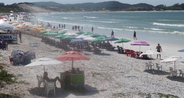 Praia do Forte amanhece com calor e sol nesta segunda (2)