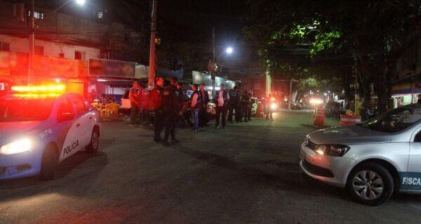 Polícia faz operação para coibir som alto nos bares da Meira Júnior, em Cabo Frio