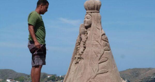 Imagem de Nossa Senhora Aparecida embeleza Praia do Forte