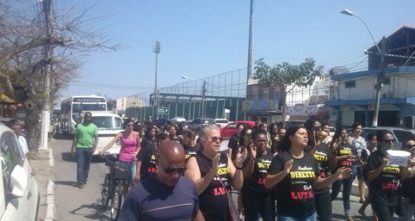 De novo em greve, Educação protesta durante sorteio do 'Minha Casa, Minha Vida'
