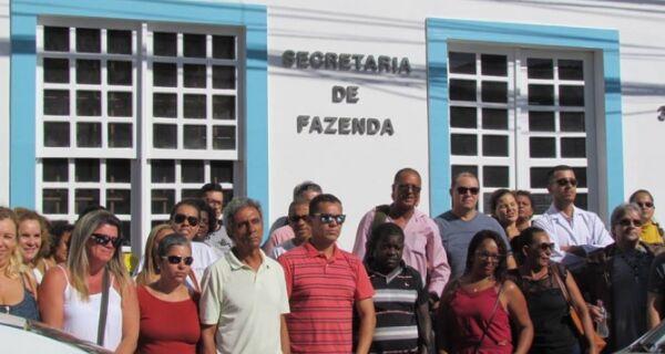 Servidores questionam contratos emergenciais da Saúde