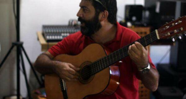 Junior Carriço lança 'Recovecos' neste sábado (21)