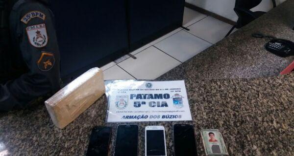 Polícia apreende 1 kg de cocaína em Búzios