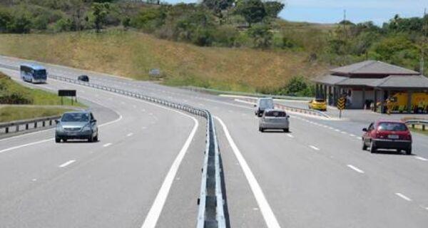 Via Lagos terá fluxo de 165 mil veículos até segunda (6)
