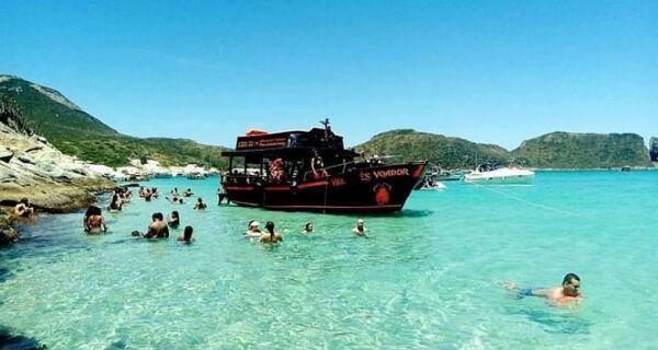 Capitania dos Portos suspende passeios de barco em Arraial do Cabo
