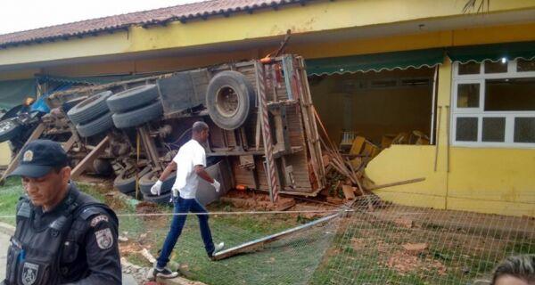 Motorista de caminhão responderá por lesão corporal culposa, diz polícia