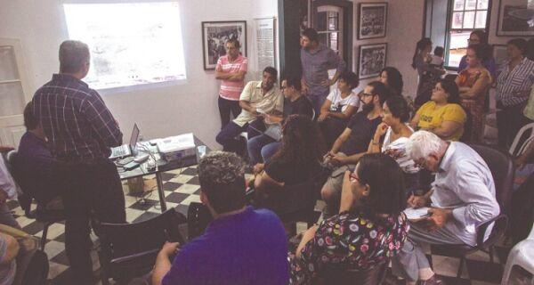 Reunião tumultuada discute galpão do sal em Cabo Frio
