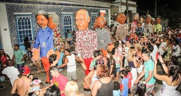 Bloco dos Bonecões terá desfile no sábado, domingo e terça-feira de folia