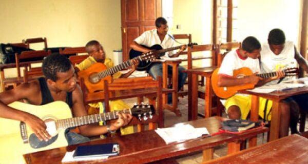 Escola de Música Vila Lobos de Búzios está com período de renovação de matrículas aberto