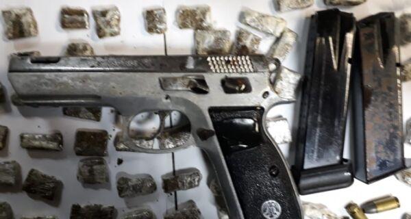 PM flagra menor com pistola e drogas no Caiçara, em Cabo Frio