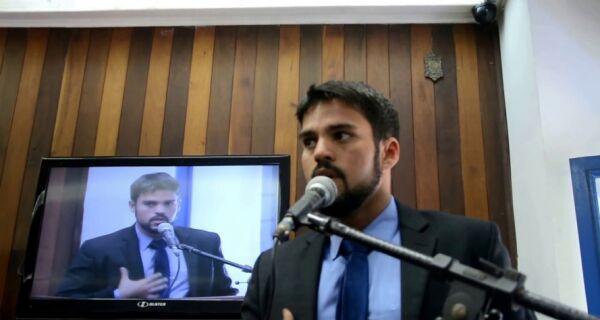 Miguel Alencar diz que está em busca de 'paz política' no governo Adriano