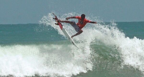 Abertas as inscrições para campeonato de surf na Praia do Forte, em Cabo Frio