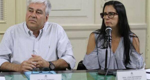 Adriano afasta diretores do Hospital da Mulher