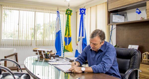 Adriano fala em 'campanha de desmoralização'