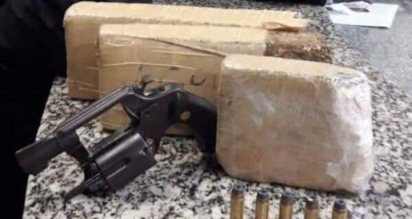Polícia apreende 2 kg de maconha e um revólver no Porto do Carro, em São Pedro