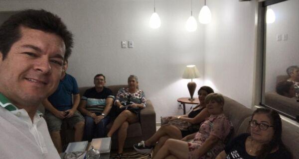 Renatinho Vianna anuncia cumprimento do piso nacional dos professores