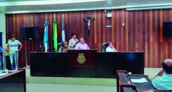 Vereadores ouvem secretário de Saúde em CPI da Câmara