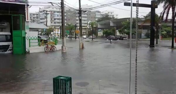 Adriano monta gabinete de crise para tratar de problemas causados pela chuva
