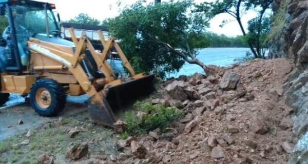 Chuva dá uma trégua e Prefeitura começa trabalho de limpeza em Cabo Frio