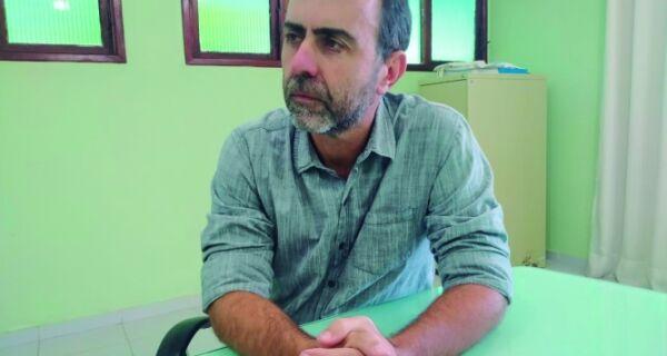 'Escola é lugar de debate', diz deputado Marcelo Freixo em palestra no IFF de Cabo Frio