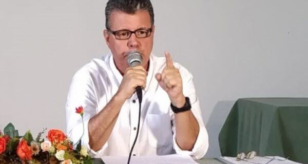 Leitão divulga teor de denúncia contra prefeito e secretário de Fazenda