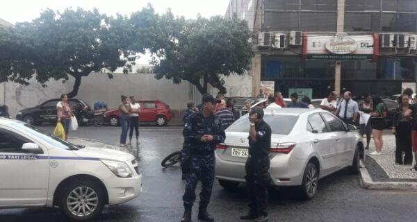 Motociclista se fere em acidente na Avenida Assunção, em Cabo Frio