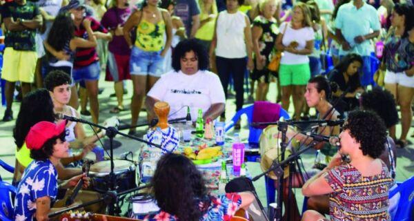 'Sambe Como Uma Mulher' comanda roda de samba na Passagem