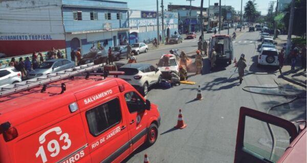 Bombeiros fazem simulação de acidente entre veículos em Cabo Frio