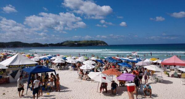 MPF faz cobrança sobre superlotação nas praias de Cabo Frio
