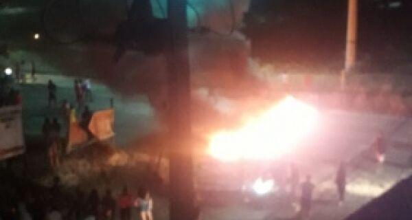 Moradores do Manoel Corrêa protestam na RJ-140