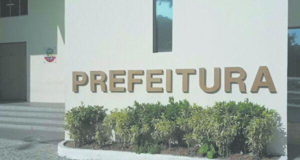 Reforma gera 'contrata-recontrata' em Cabo Frio