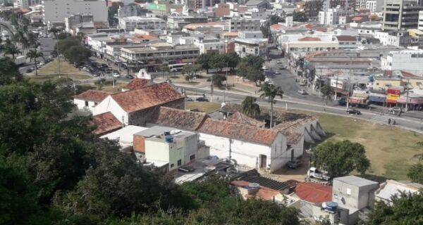 Edificações atrás do Convento sob análise da prefeitura e Iphan